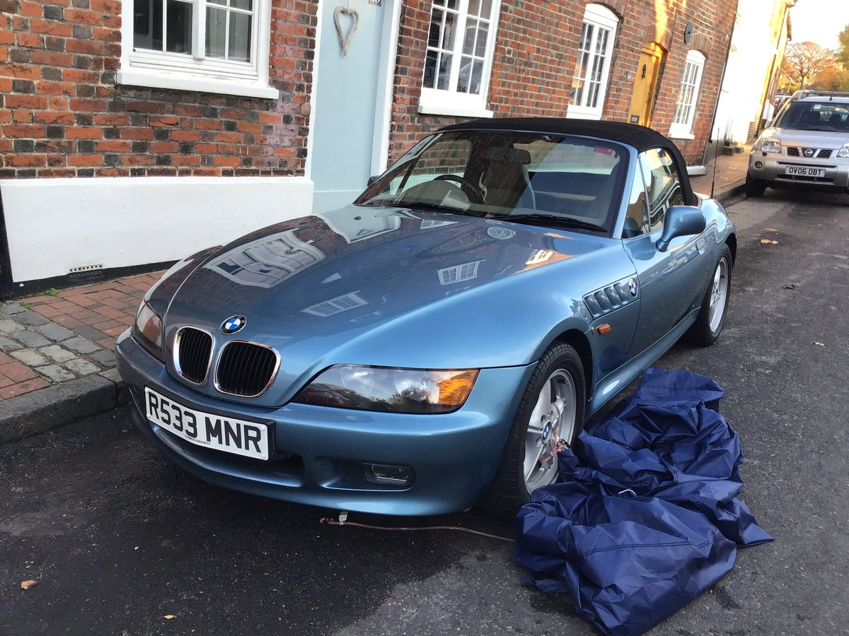 1998 BMW Z3 1.9 factory fresh convertible For Sale (picture 1 of 6)