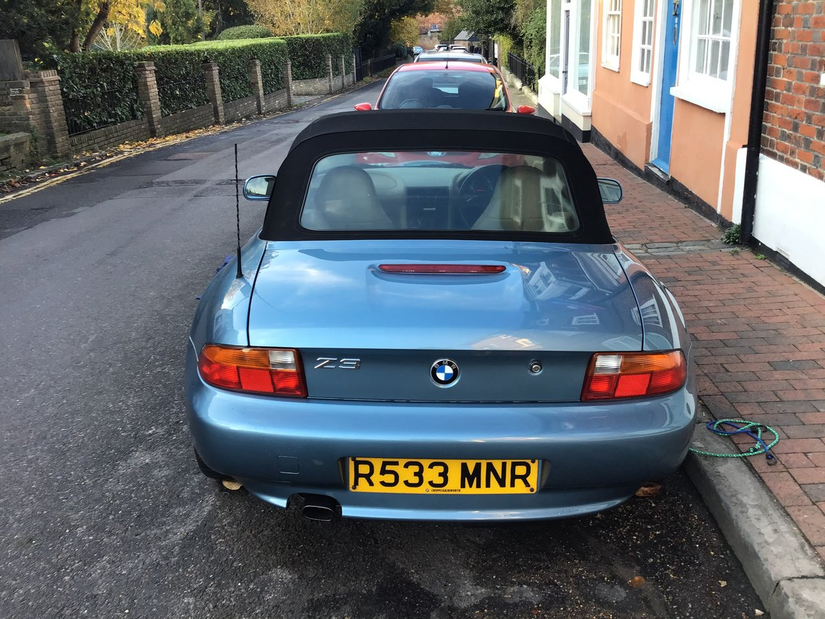 1998 BMW Z3 1.9 factory fresh convertible For Sale (picture 2 of 6)