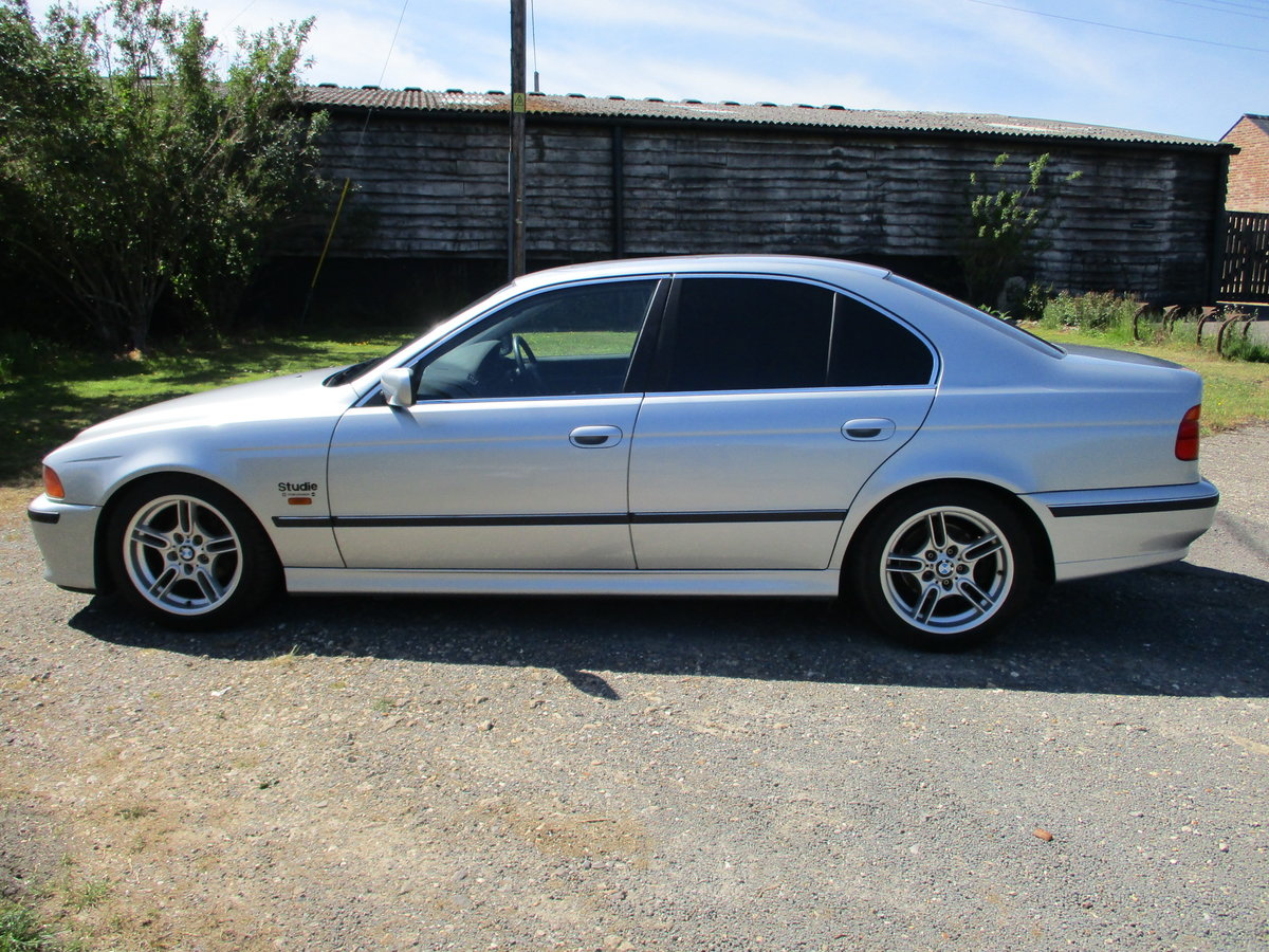 1998 BMW 523 Saloon Automatic. 25000 Miles SOLD (picture 3 of 6)