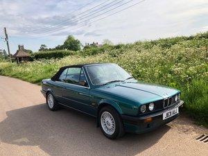 1991 BMW E30 318i convertible