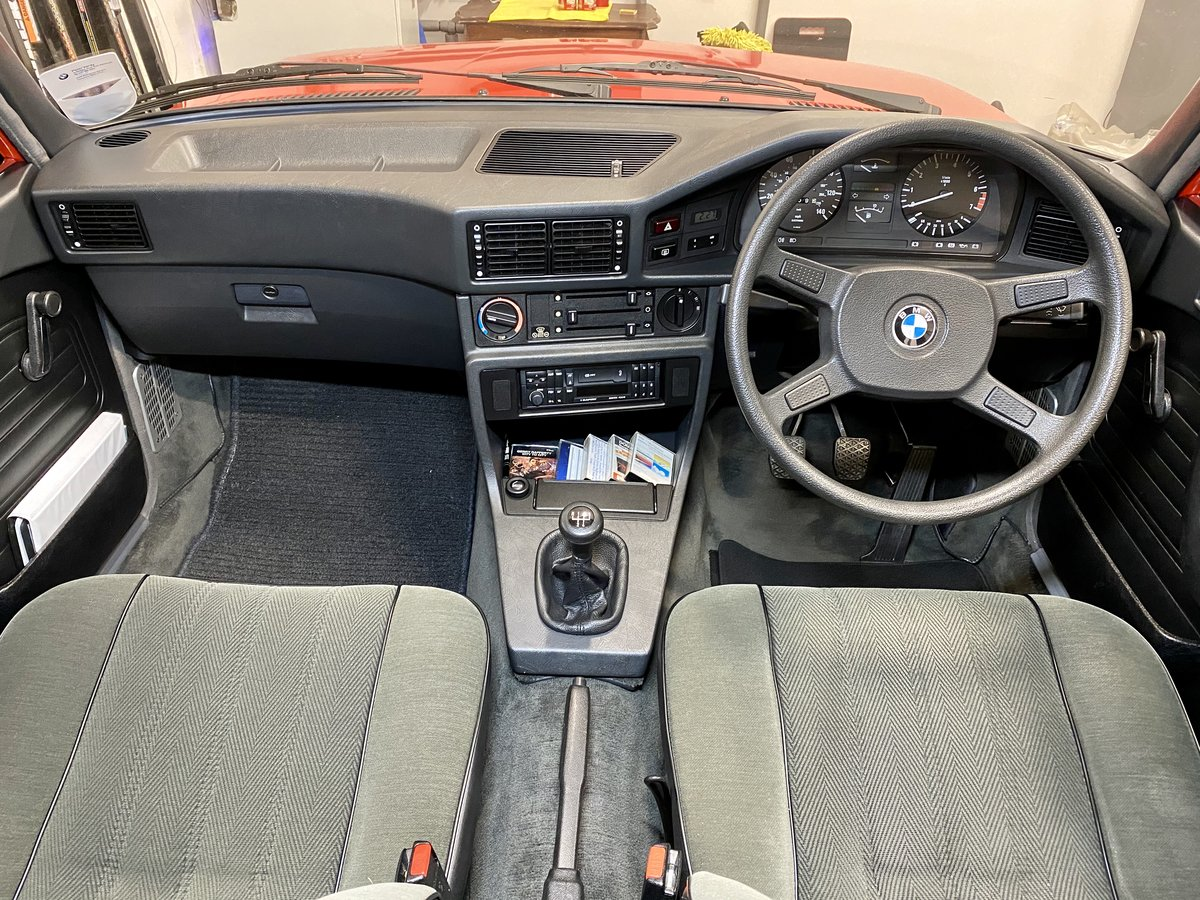 1983 BMW e28 520i 83 Henna Red Sympathetically Restored For Sale (picture 5 of 6)