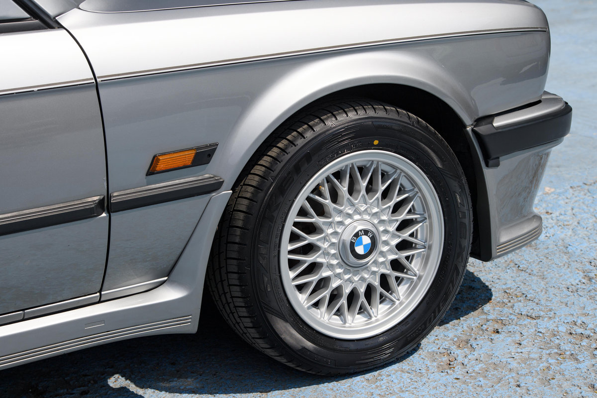 1987 BMW E30 325i Sport MTech 1 Manual For Sale (picture 7 of 12)