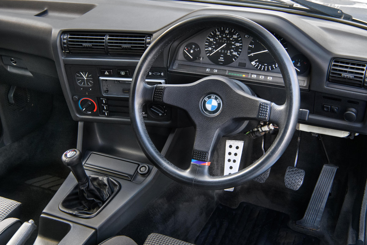 1987 BMW E30 325i Sport MTech 1 Manual For Sale (picture 11 of 12)