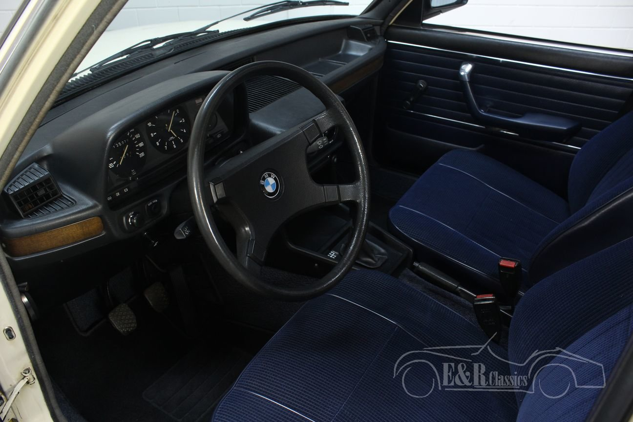 BMW E12 518 1980 Sliding roof For Sale (picture 3 of 6)