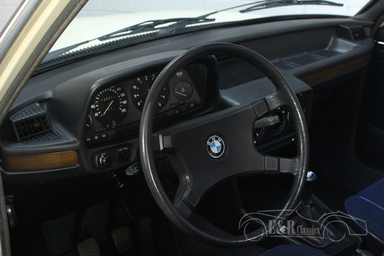 BMW E12 518 1980 Sliding roof For Sale (picture 6 of 6)