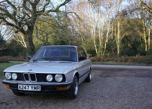 "1984 BMW E28 520i MANUAL 6-CYLINDER ""Shadowline"""