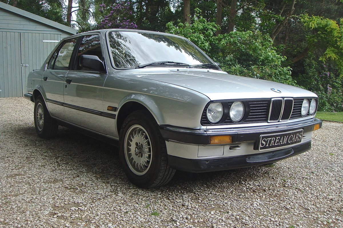 1986 Old skool 80's BMW 320i saloon For Sale (picture 1 of 6)
