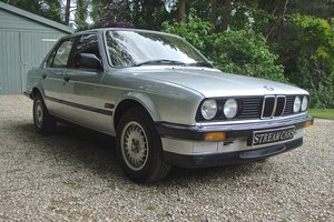 Old skool 80's BMW 320i saloon