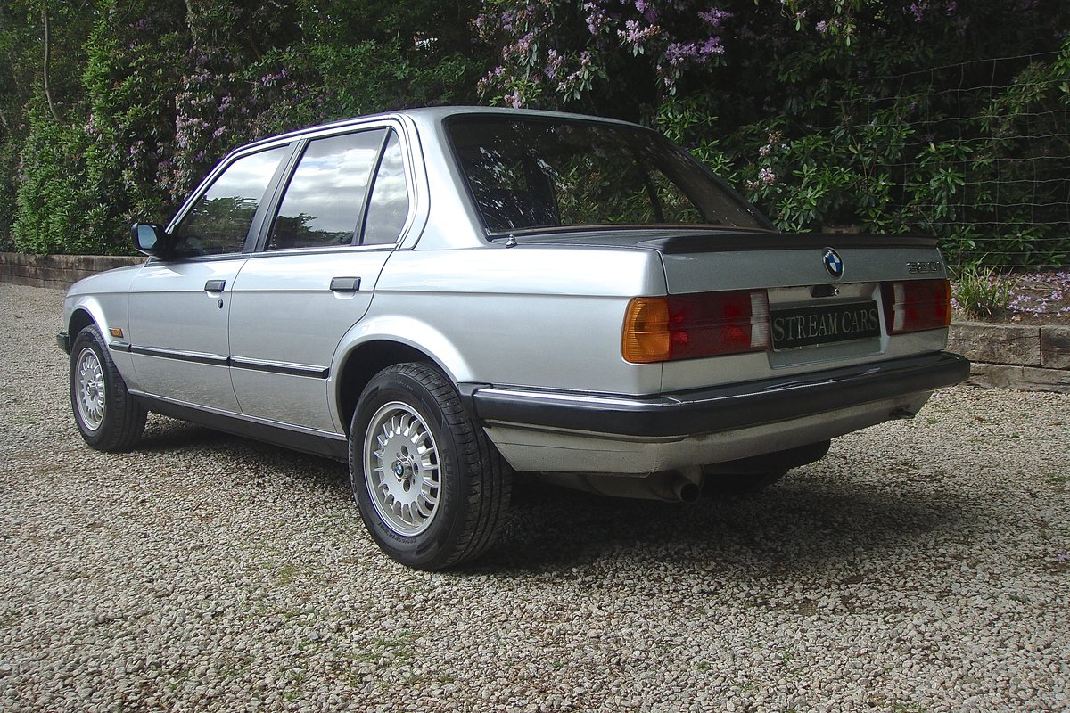 1986 Old skool 80's BMW 320i saloon For Sale (picture 3 of 6)