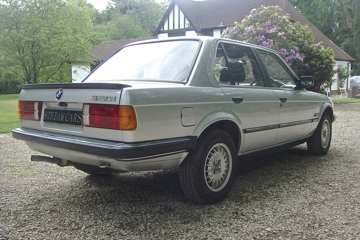 1986 Old skool 80's BMW 320i saloon For Sale (picture 4 of 6)