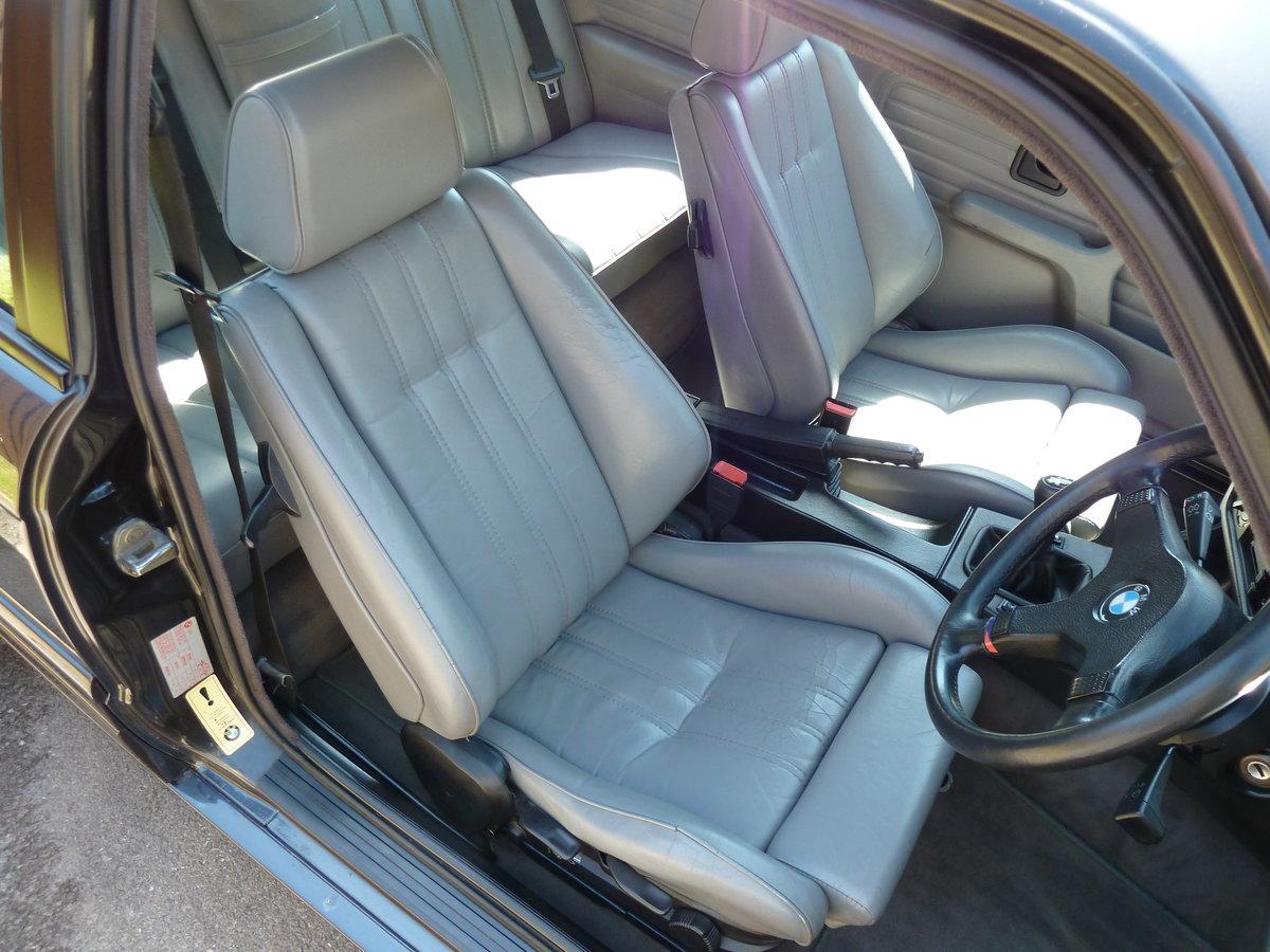 1989 BMW E30 325i Sport Mtech2 DiamondBlack Manual For Sale (picture 3 of 6)