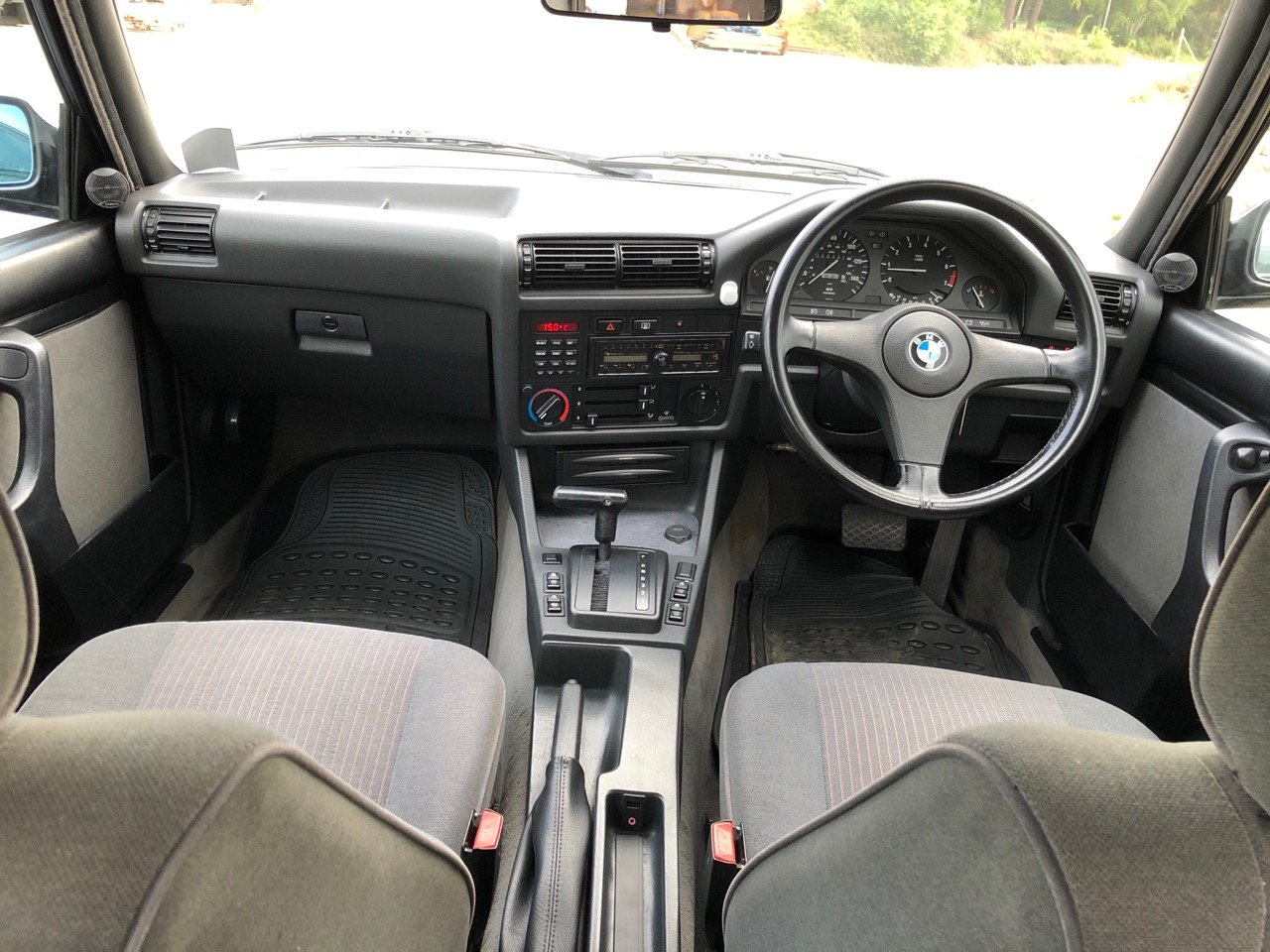 1991 BMW 325I SE 4dr Saloon E30 For Sale (picture 4 of 6)