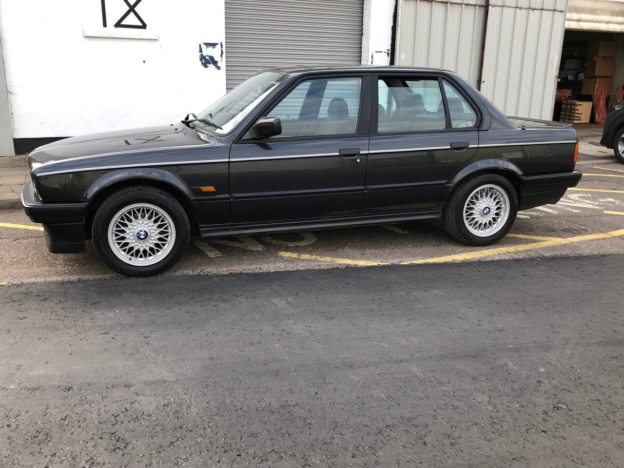 1991 BMW 325I SE 4dr Saloon E30 For Sale (picture 5 of 6)