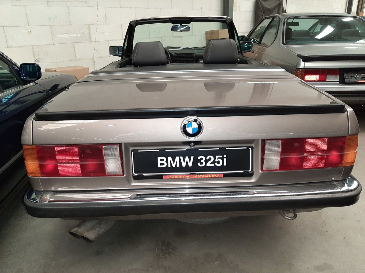 BMW 325 i cabrio E30 (1987) luxorbeige manual transmission For Sale (picture 6 of 6)