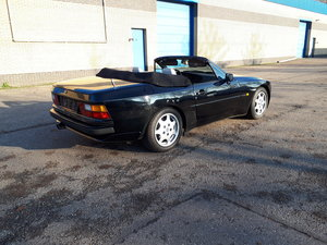 Porsche 944 cabrio 3.0 S2 (1989) 211hp black w beige leather