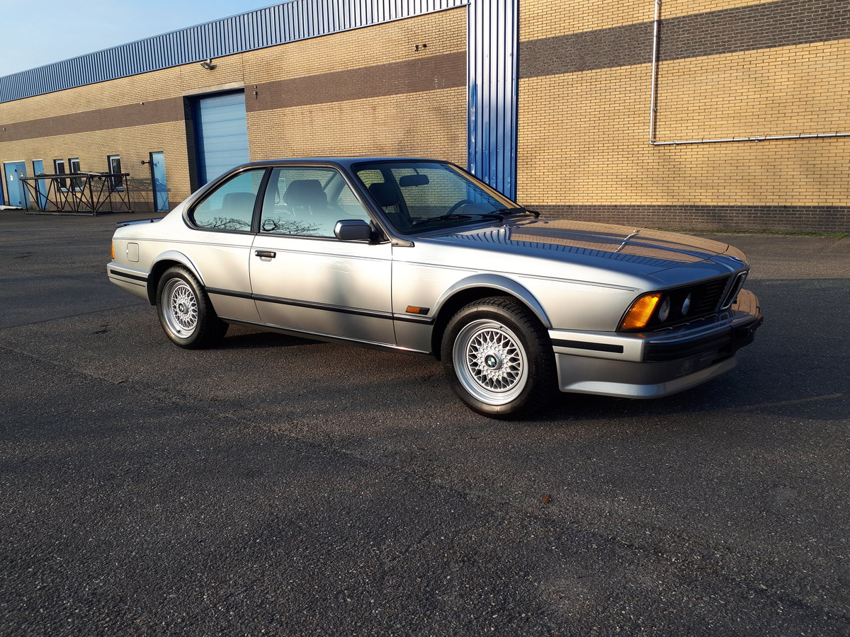 BMW M6 (1987) 260 hp manual 6 gear airco fridge 43,000 km For Sale (picture 1 of 6)