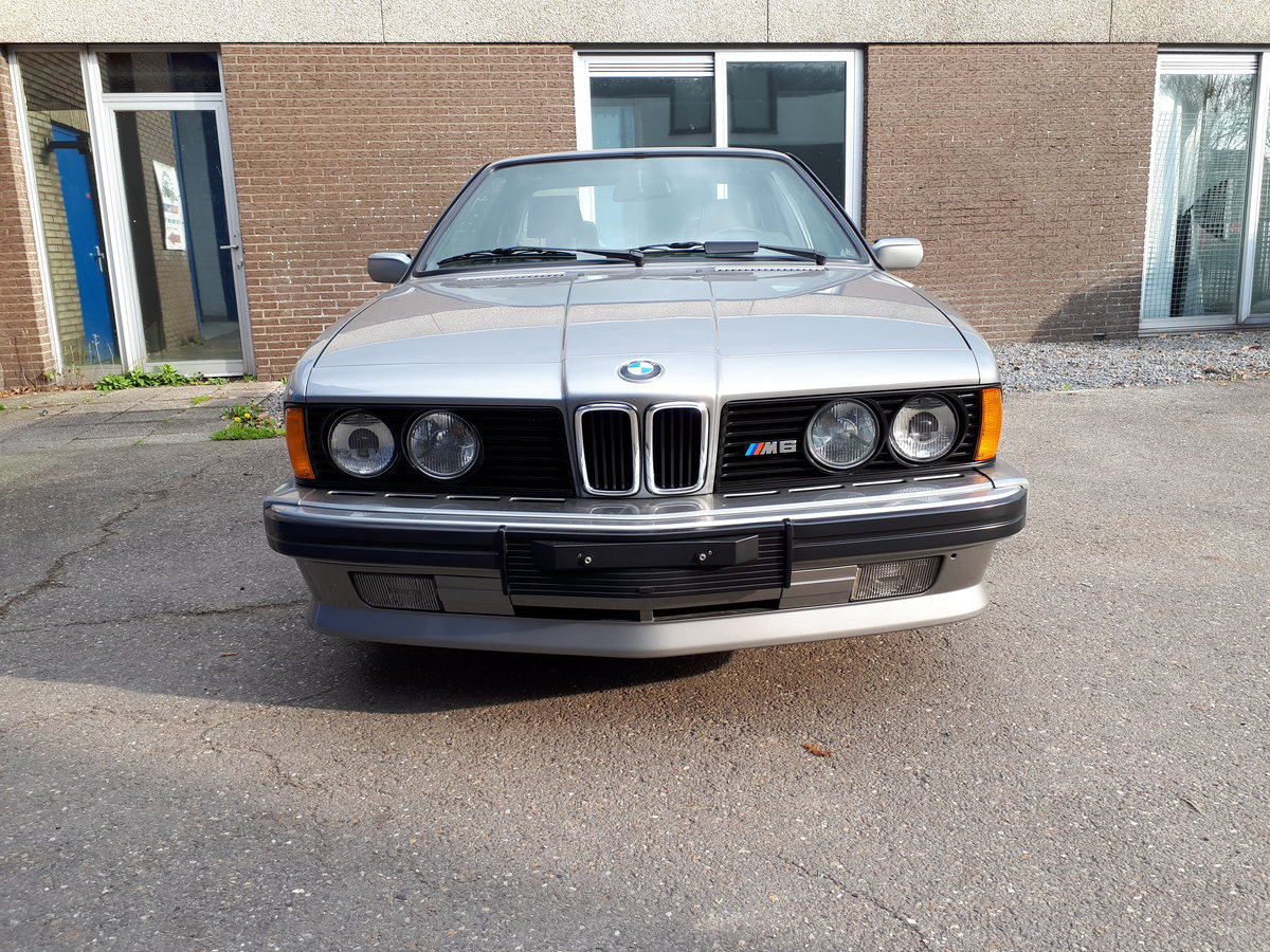 BMW M6 (1987) 260 hp manual 6 gear airco fridge 43,000 km For Sale (picture 5 of 6)