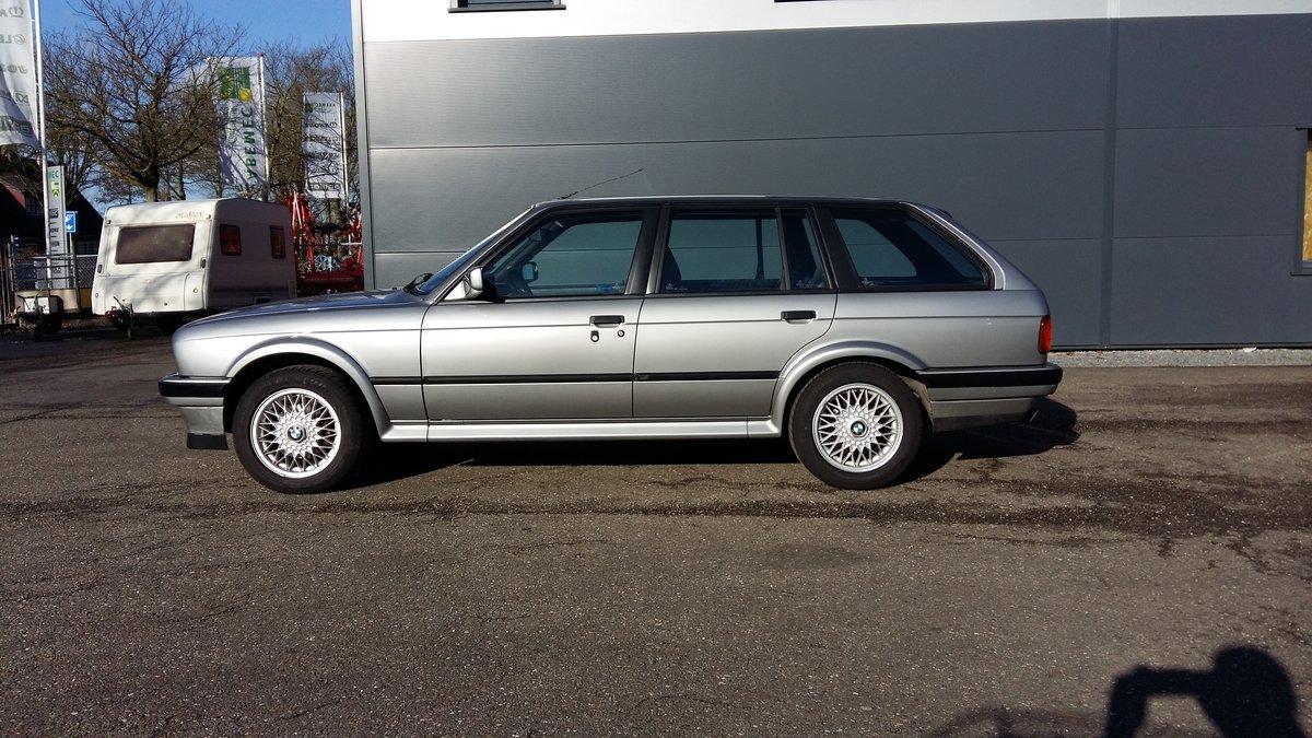 BMW 325 ix touring E30 (1988) silver 78000km  For Sale (picture 3 of 6)