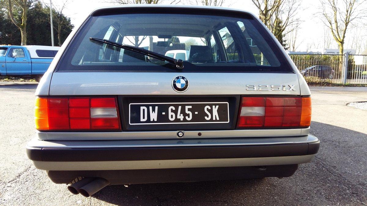 BMW 325 ix touring E30 (1988) silver 78000km  For Sale (picture 5 of 6)