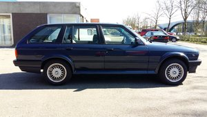 Picture of BMW 325 ix touring E30 automatic (1990) blue 141000 km For Sale