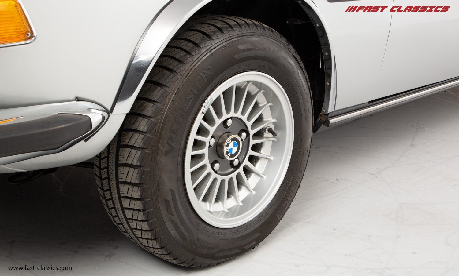 1972 BMW 3.0 CSL // BMW DEALER COLLECTION CAR // BMW RESTORED / For Sale (picture 20 of 23)