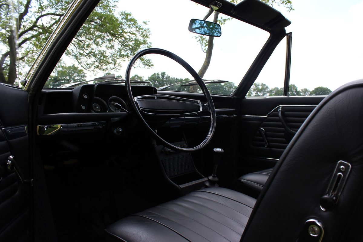 BMW 1600 Vollcabrio (1969) condorgelb Leather black interior For Sale (picture 6 of 6)