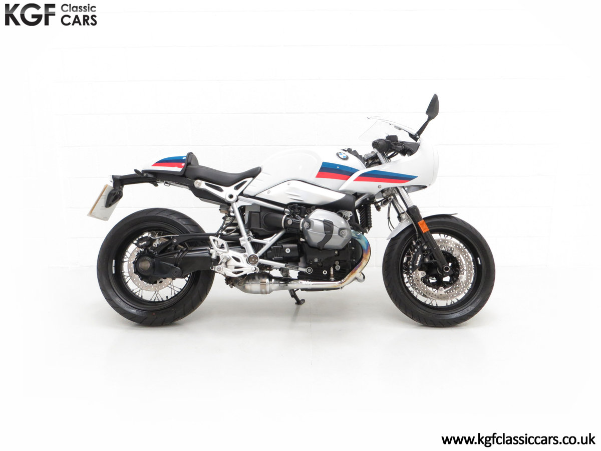 2017 A Race-Bred Retro BMW R nineT Racer Sport with 2,323 Miles SOLD (picture 14 of 24)