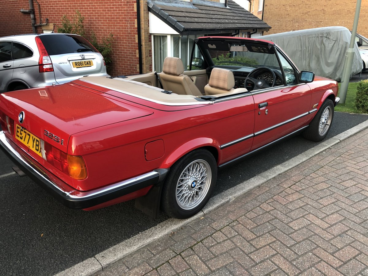 1988 Stunning BMW E30 325i Cabriolet auto For Sale (picture 2 of 6)