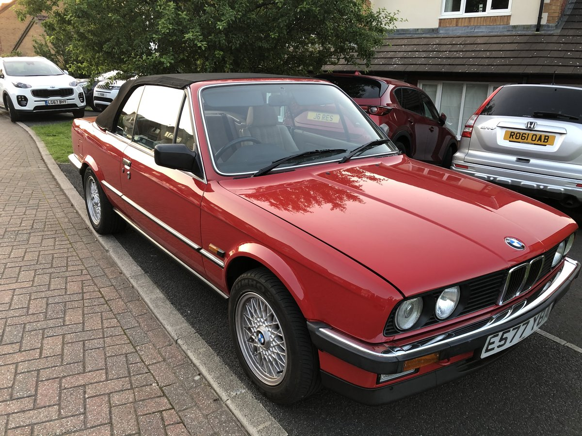 1988 Stunning BMW E30 325i Cabriolet auto For Sale (picture 4 of 6)