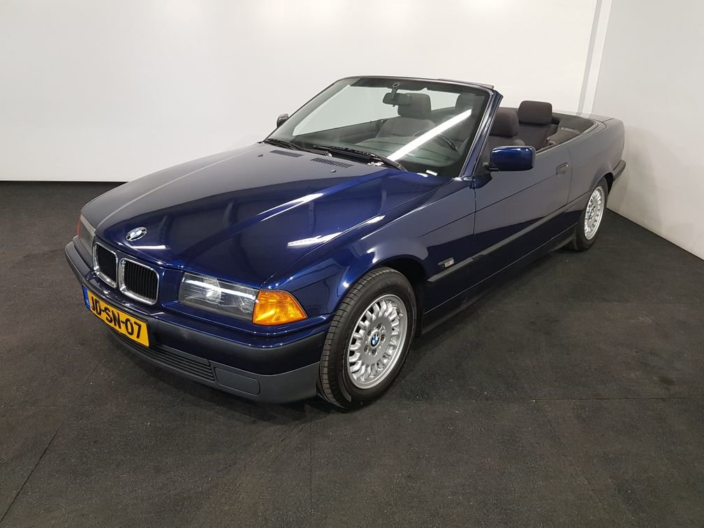 BMW 318I Convertible 1994 Mauritius blue For Sale (picture 1 of 6)