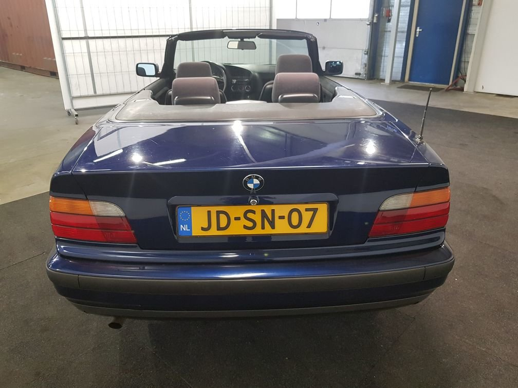 BMW 318I Convertible 1994 Mauritius blue For Sale (picture 4 of 6)