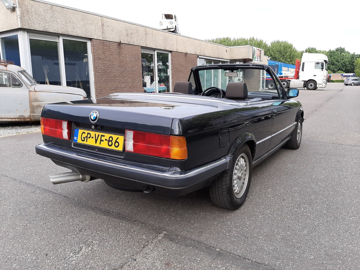 BMW 325i convertible E30 black 172000 km (1986) For Sale (picture 5 of 6)