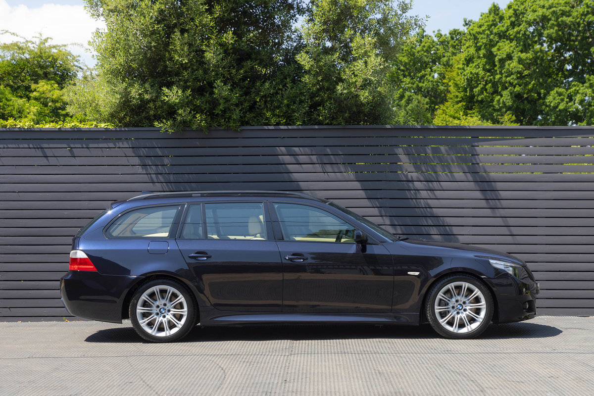 2005 BMW (E61) 545i SPORT TOURING ONLY 23k For Sale (picture 2 of 6)