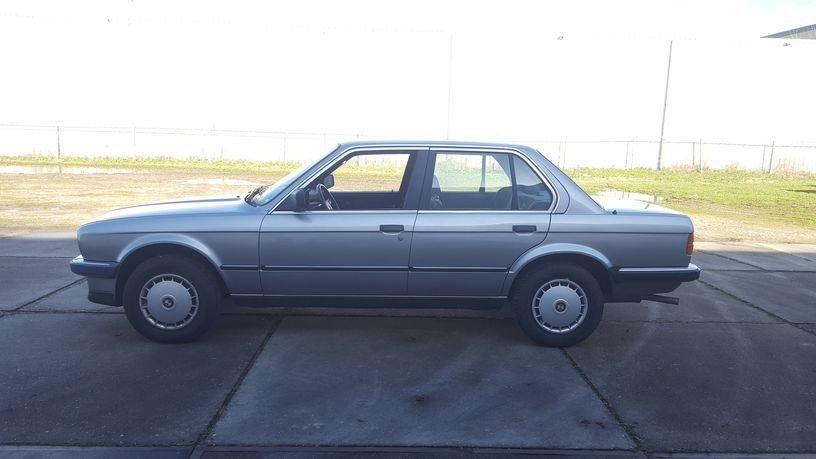 BMW 320i E30 1986 4-door sedan For Sale (picture 3 of 6)