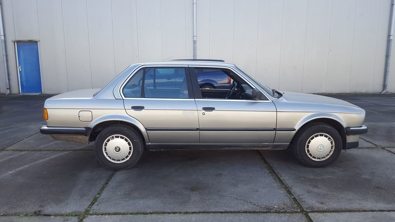 BMW 320i E30 1986 4-door sedan For Sale (picture 5 of 6)