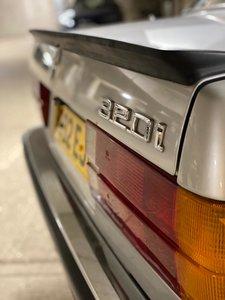 1985 BMW 320i E30 Saloon