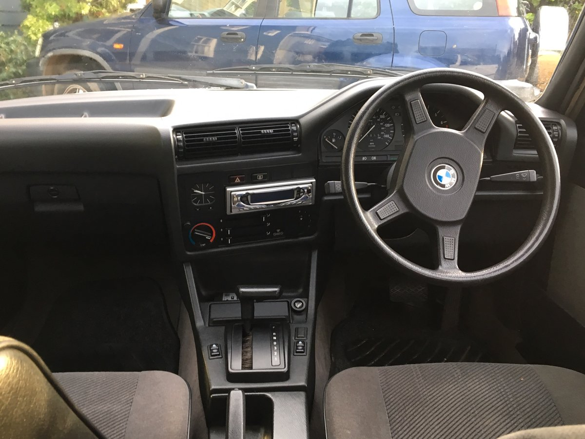 1989 BMW E30 320i SE For Sale (picture 3 of 6)