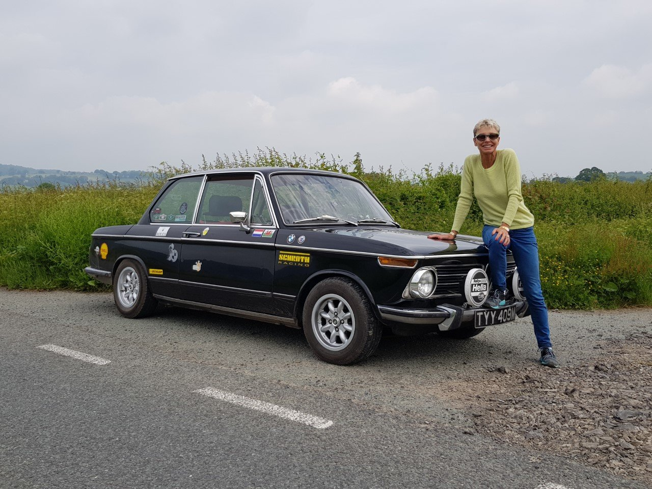 1973 BMW 2002tii - RHD Black SOLD (picture 1 of 6)