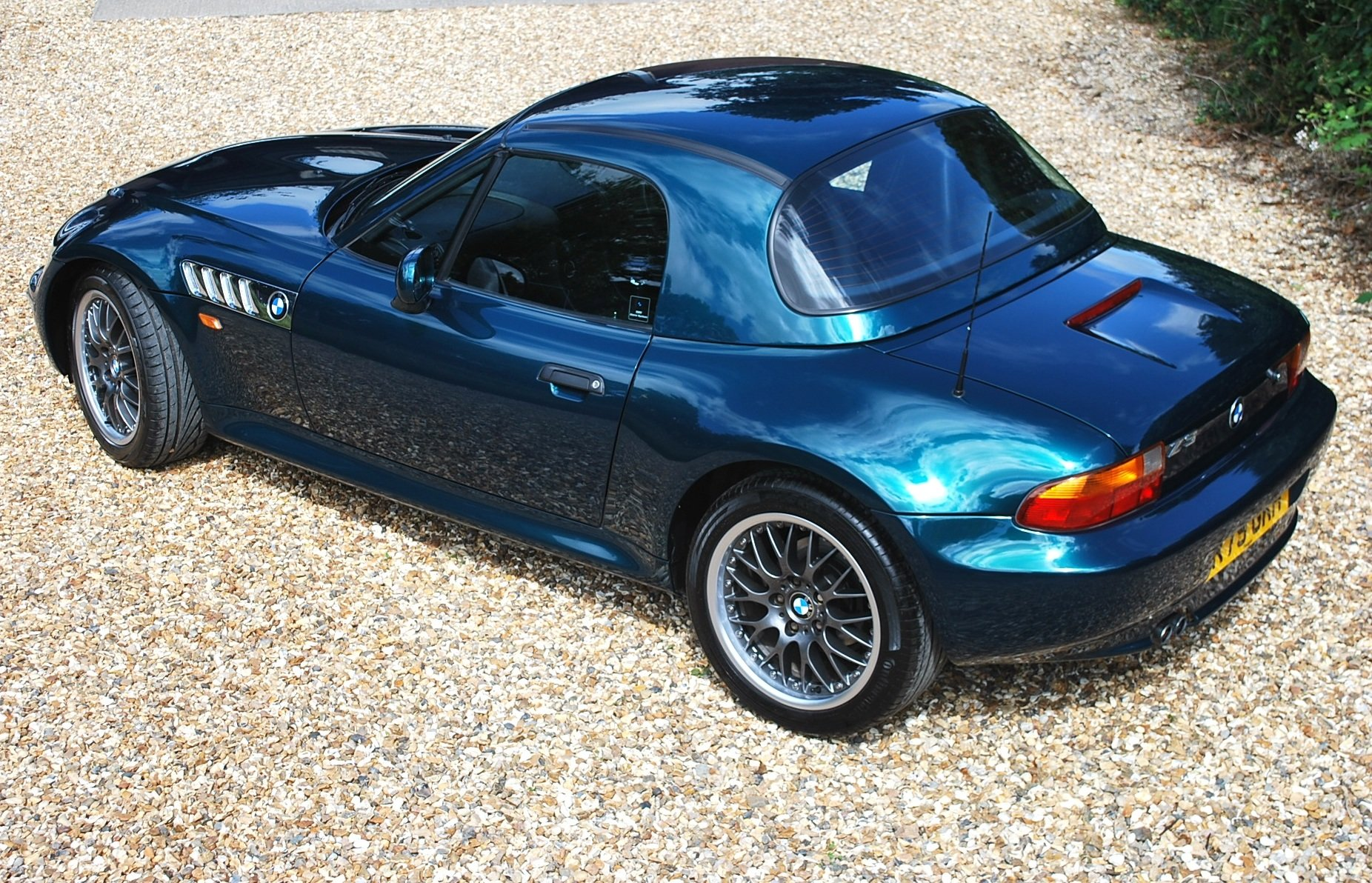 1997 BMW Z3 2.8 hard top ** £7k factory options ** Immaculate ! SOLD (picture 1 of 6)