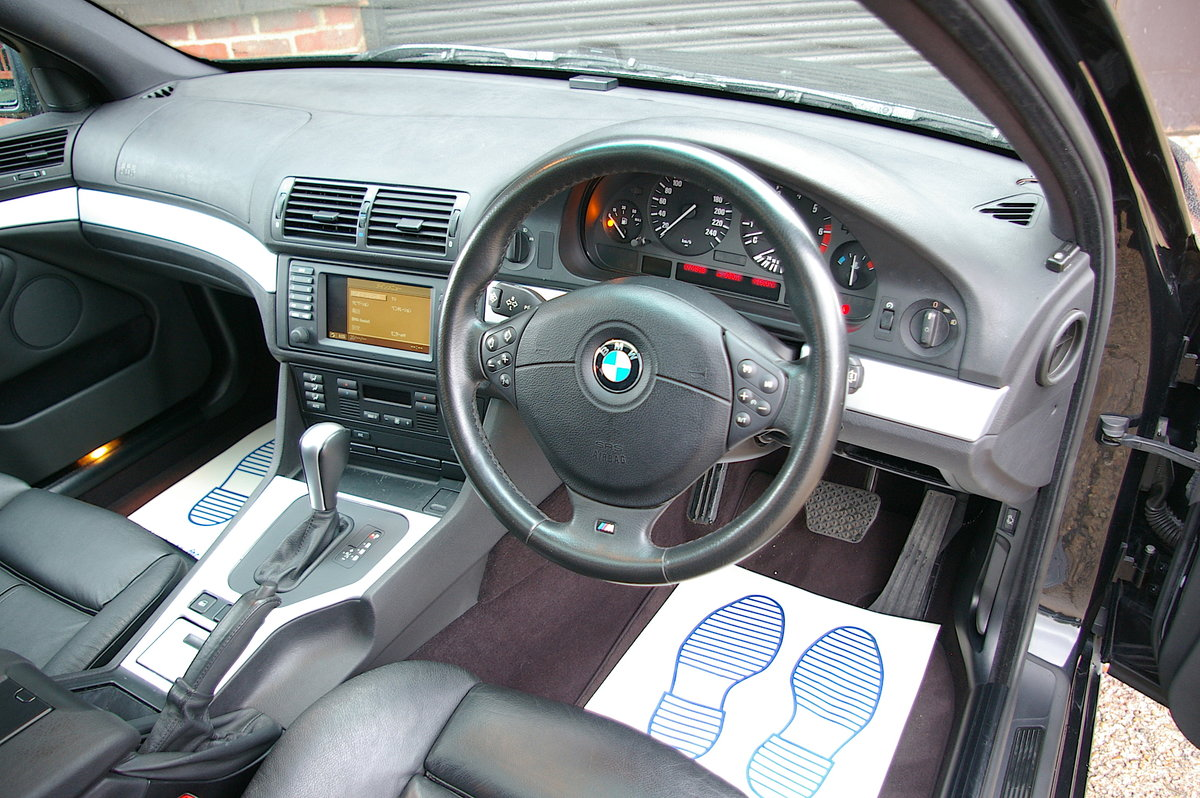 2002 BMW E39 540i V8 Sport Saloon Auto (46,298 miles) SOLD (picture 5 of 6)