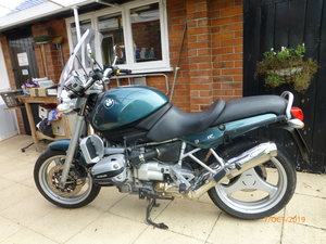 Superb BMW R850R Ascot Green