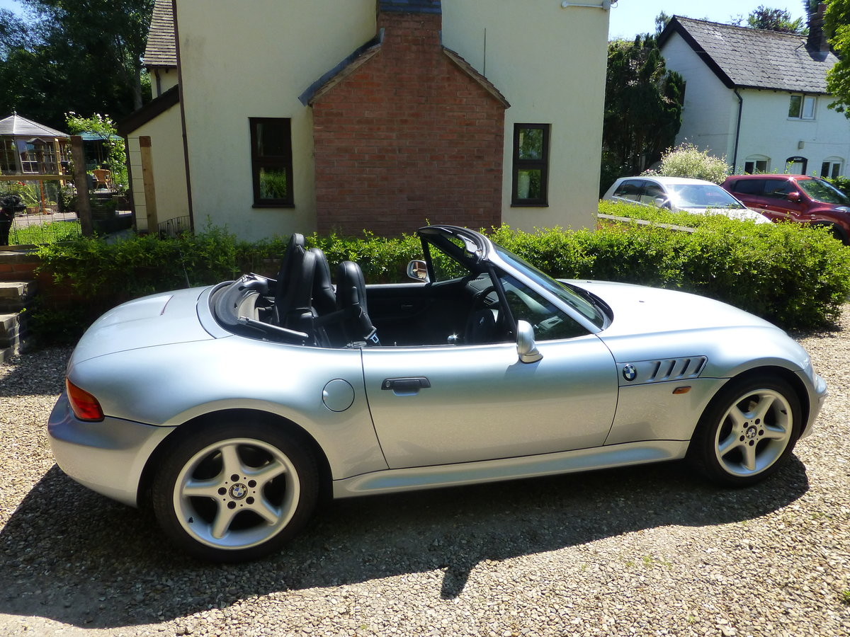 1999 BMW Z3 convertible 2.8 wide body SOLD (picture 2 of 4)
