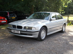 728i E38. A truly outstanding example