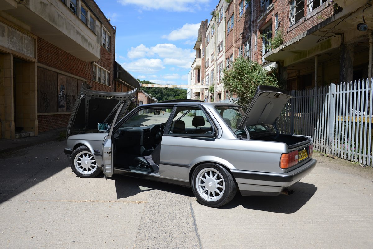 1989 BMW E30 325i Manual Coupe Fast Road Spec 320 shell For Sale (picture 3 of 6)