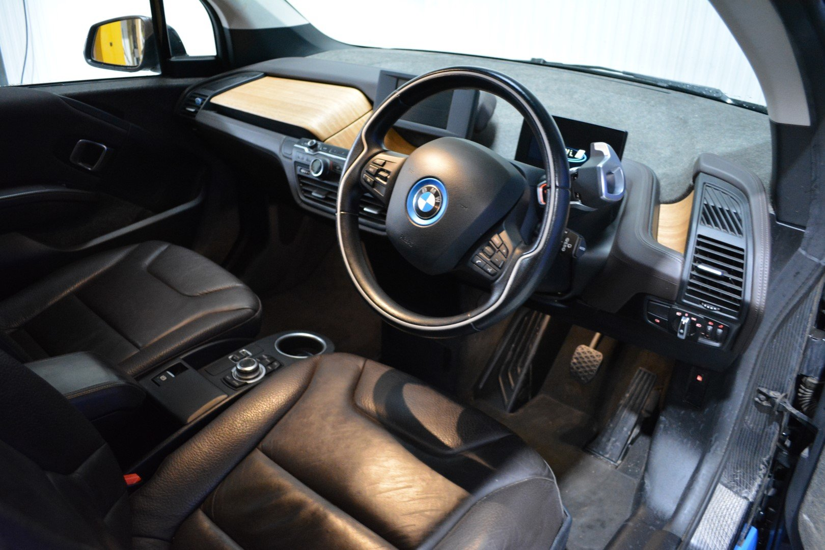 2016 BMW i3 60AH Range Extender - Leather For Sale (picture 3 of 6)