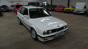 BMW E30 320i Touring 6 cyl with P/S