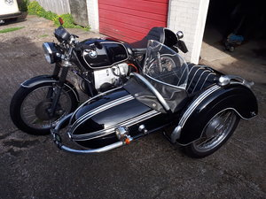 BMW R60 and sidecar