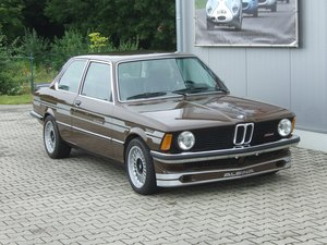 BMW 316 (E21) with E30 M3 technic