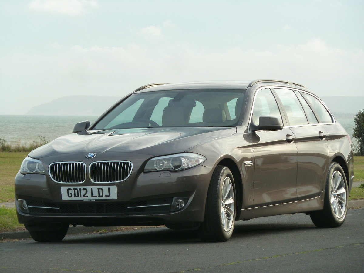 2012 BMW 520 F11 2.0TD AUTOMATIC 5DR SE TOURING ESTATE LOW MILES For Sale (picture 2 of 6)