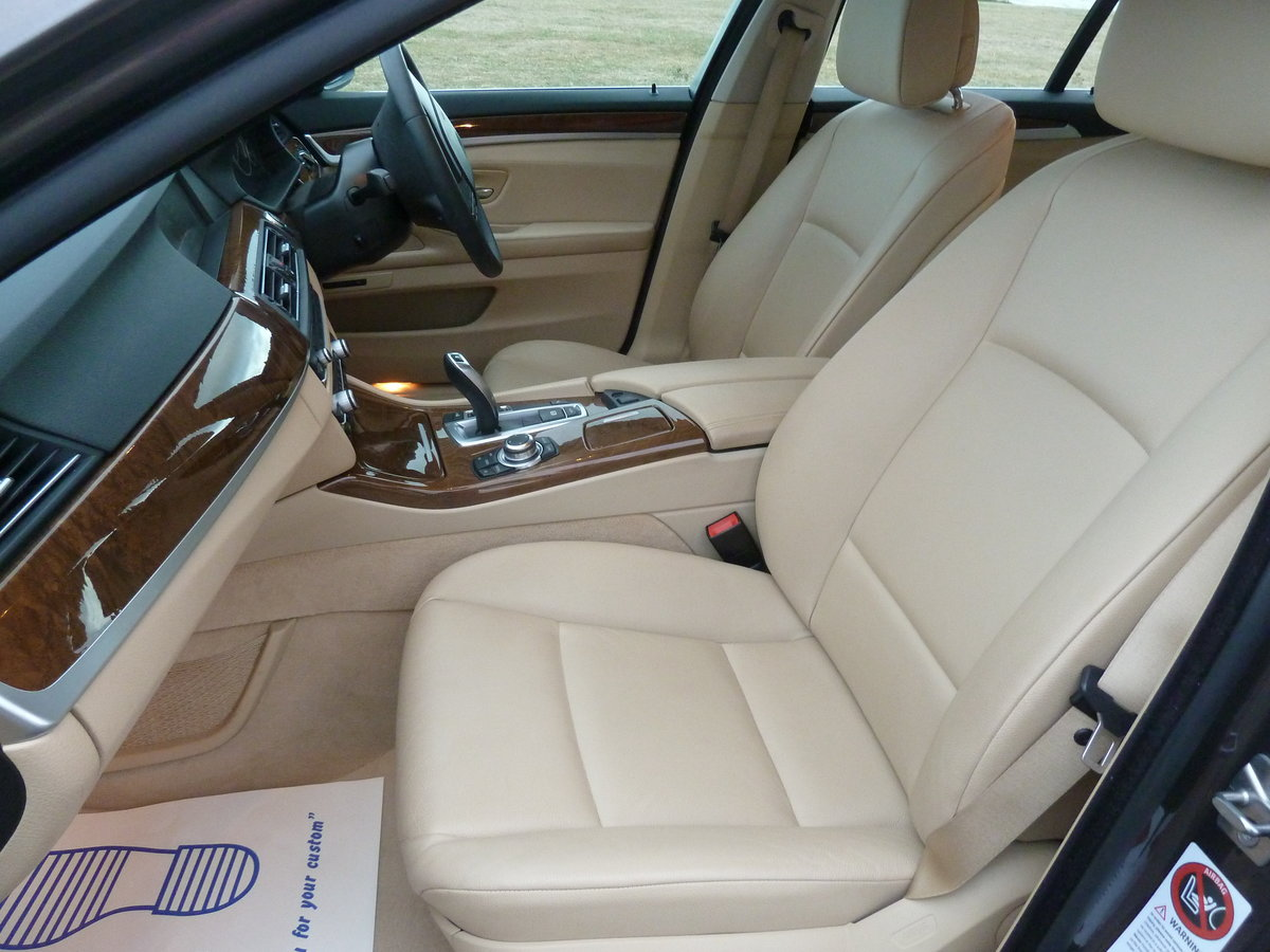 2012 BMW 520 F11 2.0TD AUTOMATIC 5DR SE TOURING ESTATE LOW MILES For Sale (picture 4 of 6)